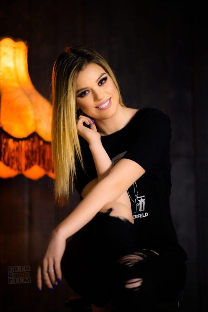 sedinta-foto-bucuresti-sector-2-fotografii-portret-poze-produs-business-fotografii-corporate