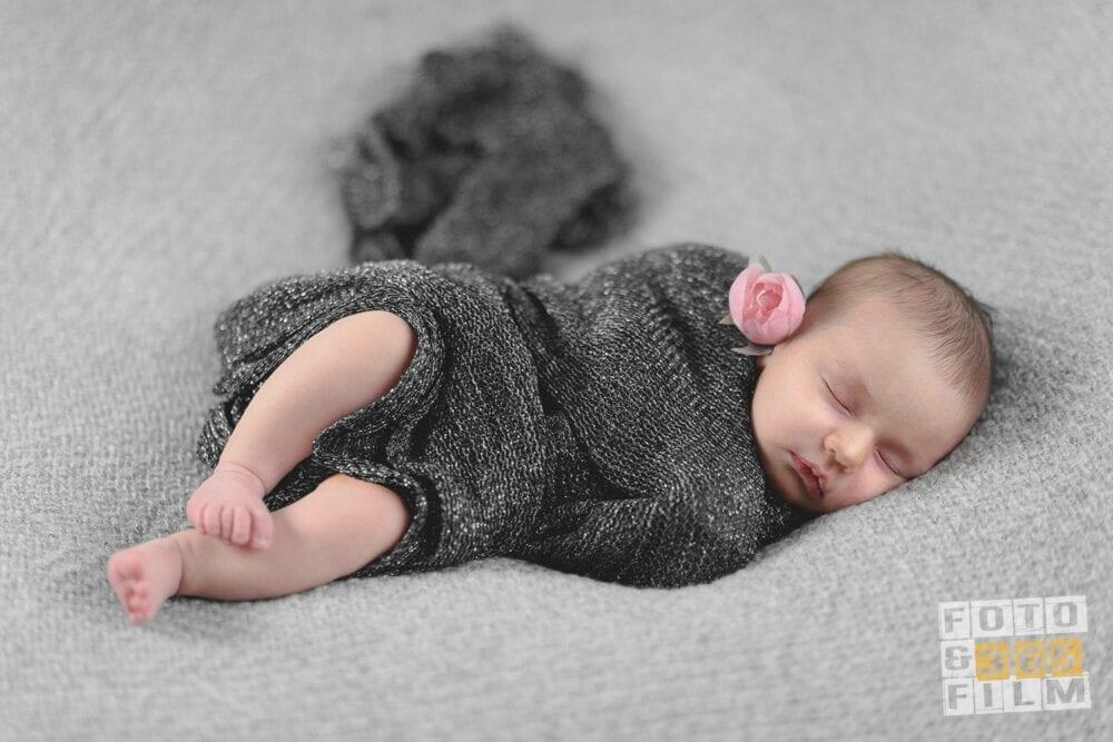 sedinta-foto-nou-nascut-sedinta-foto-bebe-poze-profesionale-bebelusi