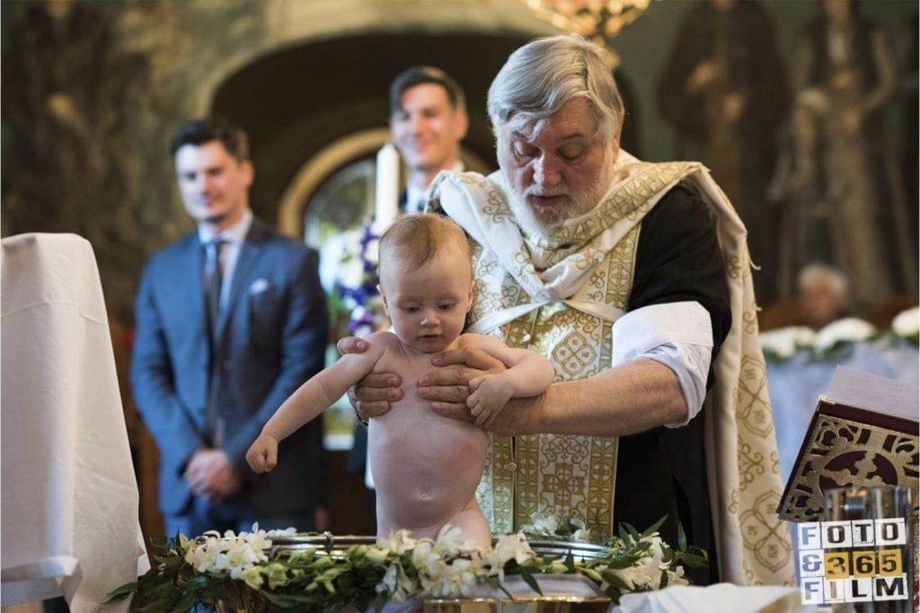 fotografii-de-botez-sector-2-fotograf-de-botez-bucuresti